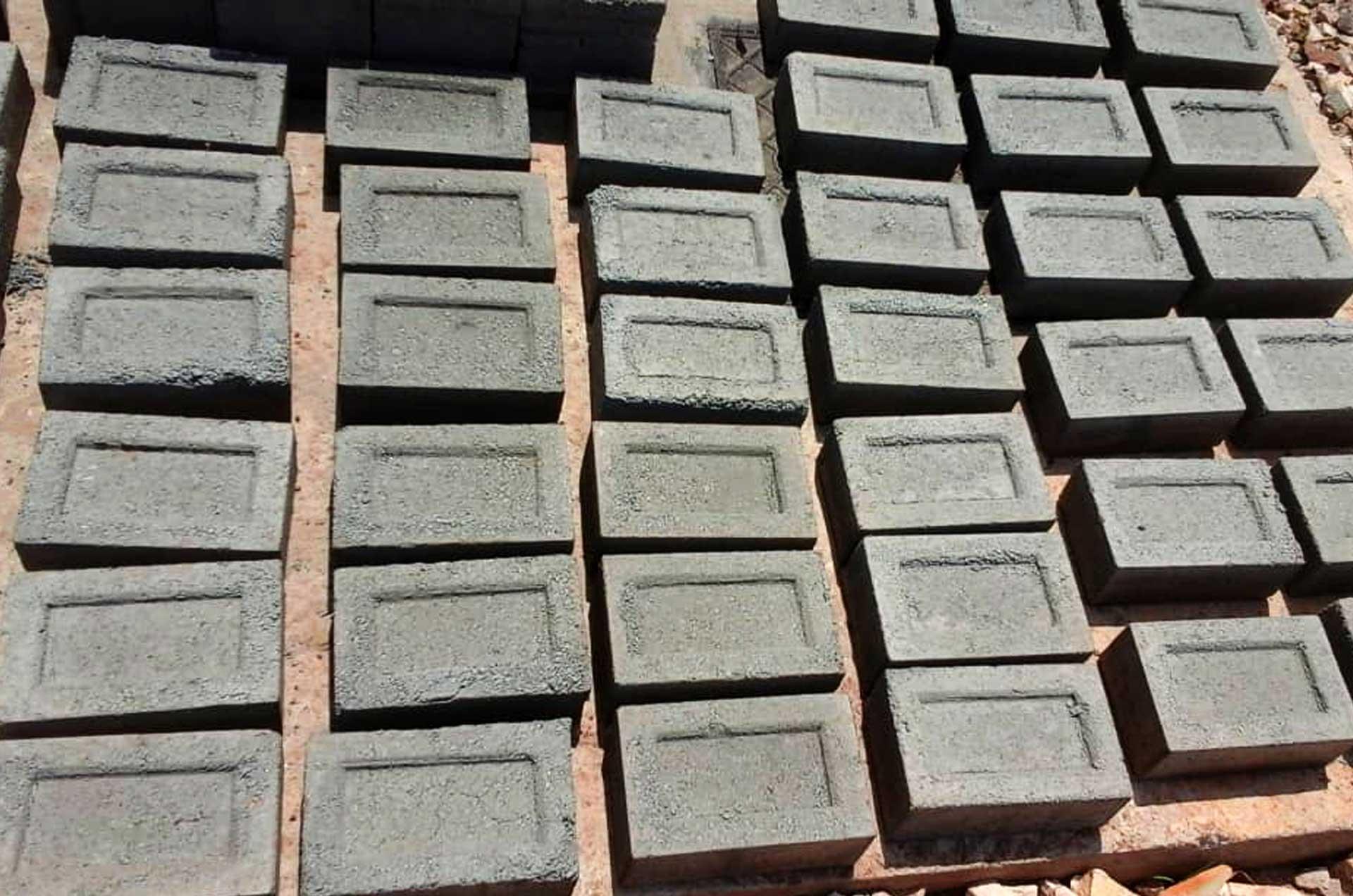 solid_concrete_block_r002